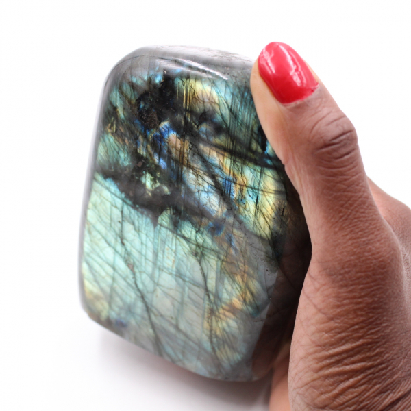 Labradorite protection stone