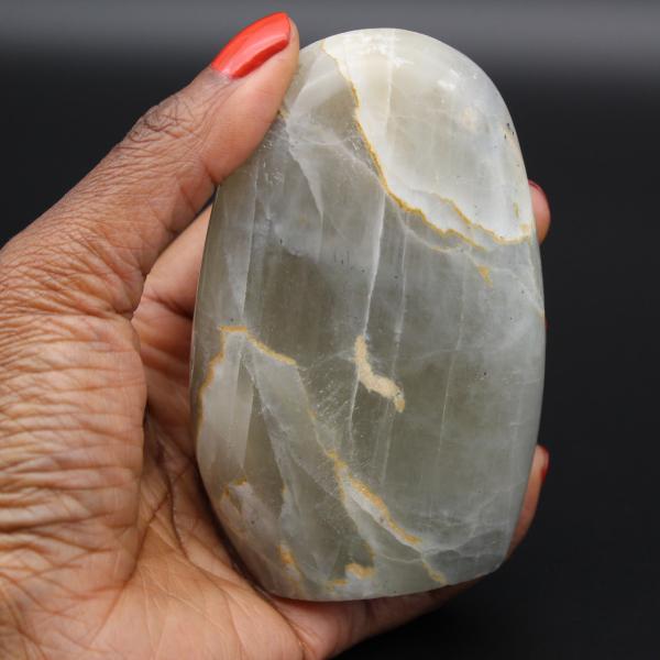 Polished garnierite stone