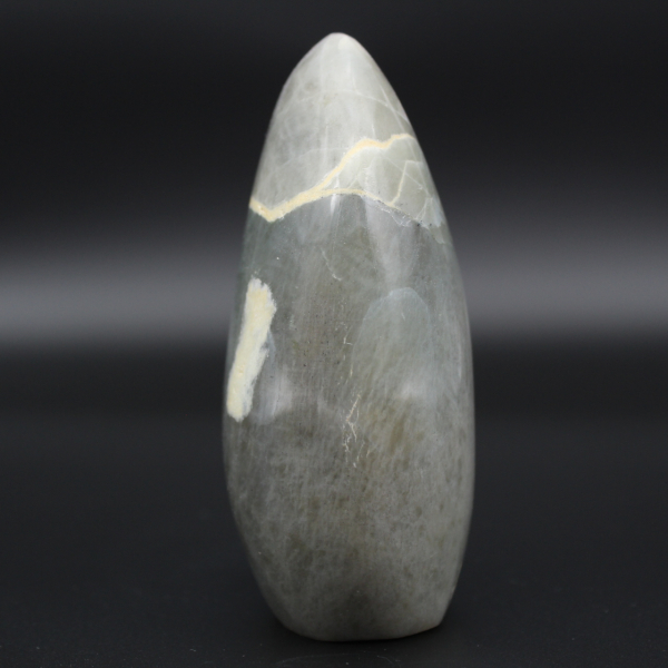 Polished garnierite rock