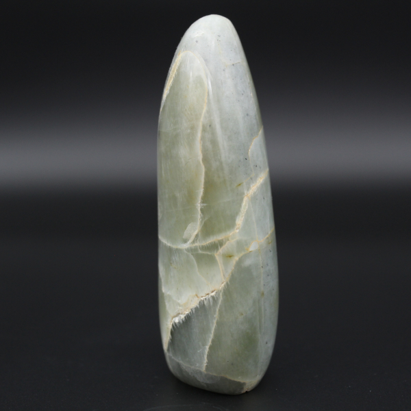 Polished garnierite stone