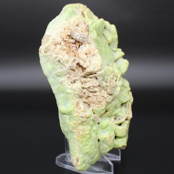 Green pyromorphite in plate